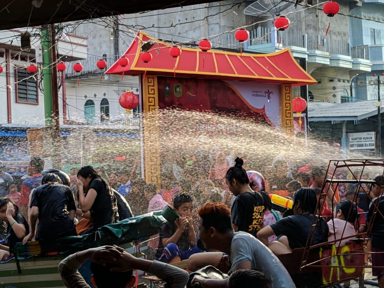 LAMR Meranti Sikapi Polemik Festival Perang Air</a>