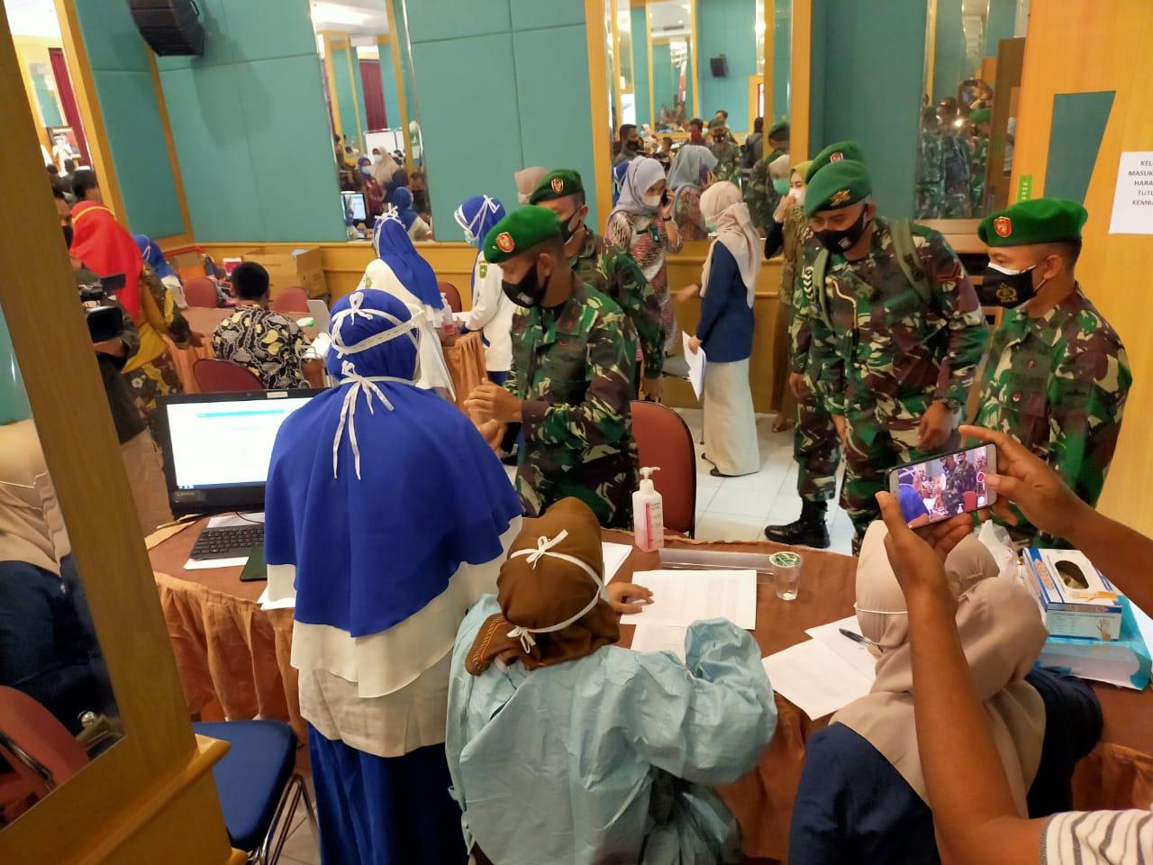 Dinkes Riau Gelar Vaksin Tahap II di RSUD Arifin Achmad</a>