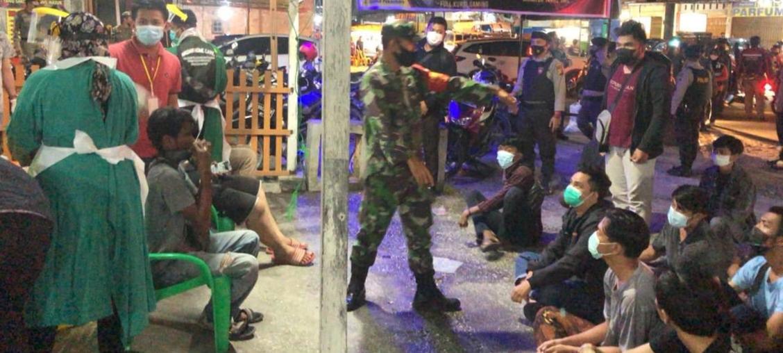 Satgas PPKM Tutup Warnet di Jalan Delima, 102 Pengunjung di Swab Antigen</a>