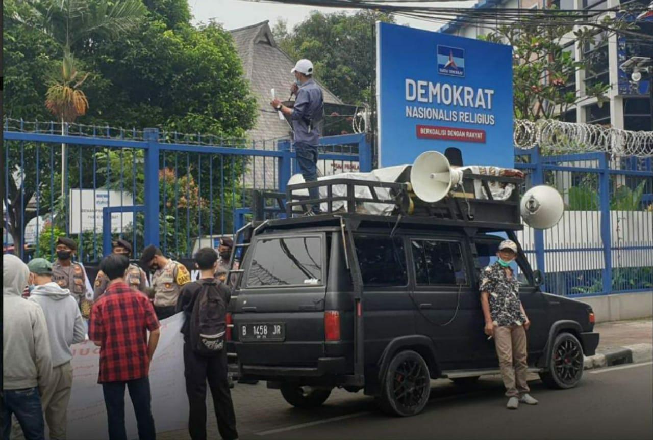 Aliansi Pemuda Mahasiswa Demokrat Goyang Posisi Agung Nugroho</a>