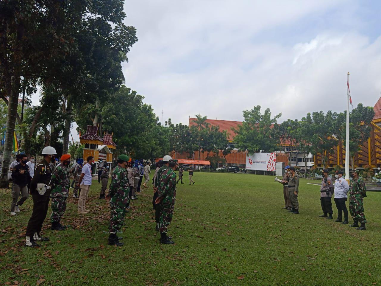 Peran Aktif Koramil 06/Sukajadi Sukseskan PPKM Level IV di Kota Pekanbaru</a>