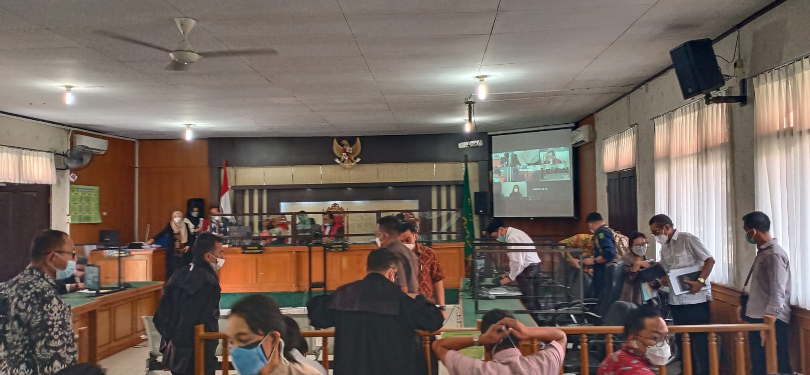 7 Oktober, Majelis Hakim Tetapkan Legal Standing Penggugat</a>